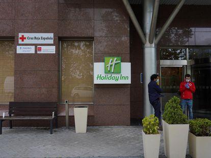 El Ayuntamiento de Madrid habilita un hotel para personas sin hogar con síntomas de coronavirus para que no sigan en la calle