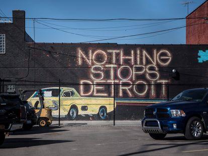 """""""Nothing stops Detroit"""" (nada detiene Detroit) escrito en una fachada de la ciudad estadounidense."""