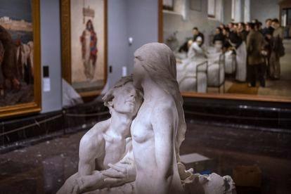 La escultura juega un papel clave en la nueva organización de estas salas del museo.