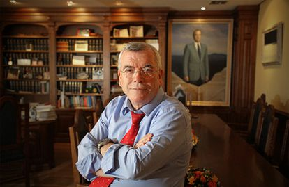 Pedro Castro en el despacho que ha ocupado, como alcalde de Getafe, desde 1983.