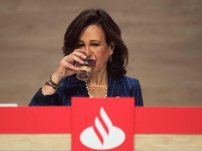La presidenta del Banco Santander, Ana Botín, durante la junta general de accionistas del Banco Santander