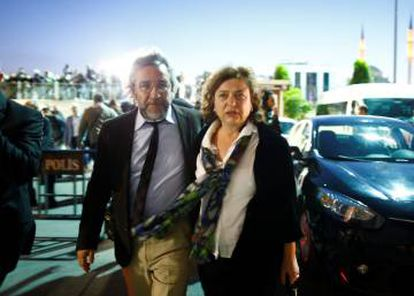 El periodista turco Can Dündar, a su llegada al juicio