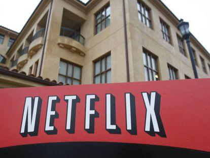 Imagen de la sede central de Netflix en Los Gatos (California). En vídeo, tráiler de 'Roma'.