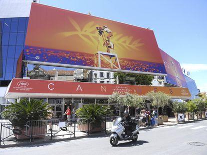 Fachada lateral del Palacio de festivales, lugar donde se celebra el festival de Cannes, el pasado mes de mayo.