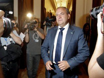 José Antonio Monago, presidente del PP en Extremadura, a su llegada al Congreso