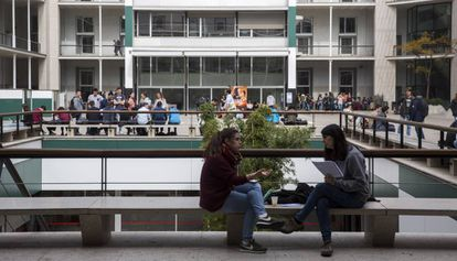 Estudiantes en la Universidad Pompeu Fabra de Barcelona.