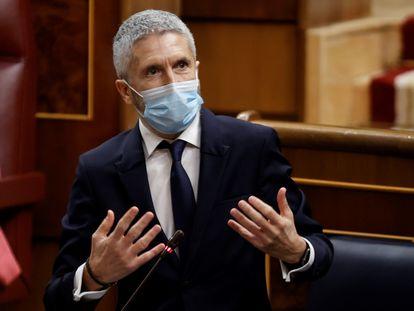El ministro del Interior, Fernando Grande-Marlaska, durante la sesión de control de este miércoles en el Congreso.