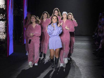 La influencer Inés Arroyo presentó su firma Laagam en la 080 Barcelona Fashion.