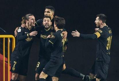 Jordi Alba celebra su segundo gol.