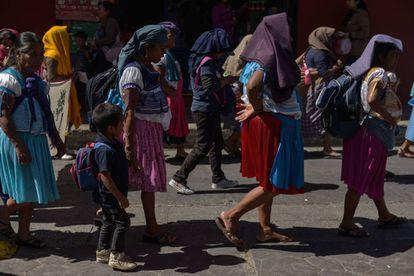 Mujeres de Chiapas marchan contra la violencia machista.