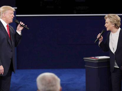 Trump y Clinton en el debate de San Luis