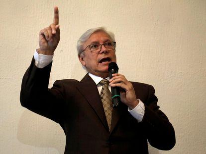 El gobernador de Baja California, Jaime Bonilla, en una conferencia en Ciudad de México, el 16 de octubre de 2019.