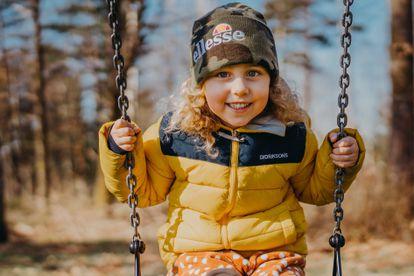 Todos los niños son susceptibles de tener algún tic, sin distinción de raza o grupo étnico.