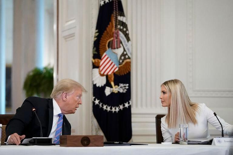 Donald Trump y su hija Ivanka durante un encuentro en la Casa Blanca el pasado 26 de junio.