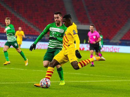 Ousmane Dembélé ante el Ferencváros en el Puskás Aréna de Budapest