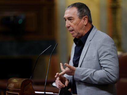 El portavoz parlamentario de Compromís, Joan Valdoví, interviene durante una sesión del Congreso de los Diputados, que el pasado jueves aprobó una iniciativa pidiendo al Gobierno español que presente antes de que acabe 2021 un borrador del nuevo modelo de financiación.