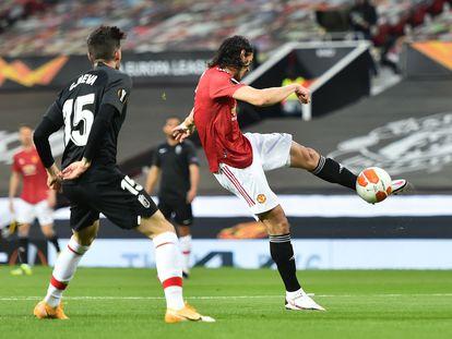 Cavani marca el único gol del partido de vuelta de los cuartos de final de la Europa League este jueves en Old Trafford.
