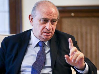 El exministro de Interior, Jorge Fernandez Díaz, durante una entrevista, en una imagen de archivo.