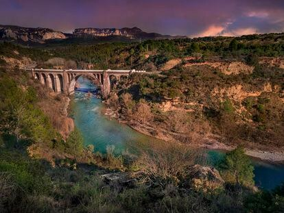 Puente Murillo de Gállego, una de las zonas a las que habría afectado el embalse.