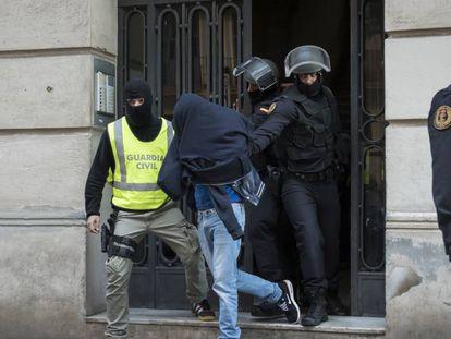 La Guardia Civil detiene en Barcelona a un supuesto yihadista, el pasado noviembre.
