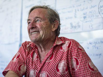 El médico y experto en VIH Eric Goemaere, en su oficina de la sede de MSF en Ciudad del Cabo, en Sudáfrica, en diciembre de 2020.