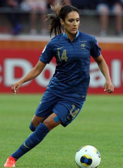 La francesa Louisa Nécib, en un partido con su selección.