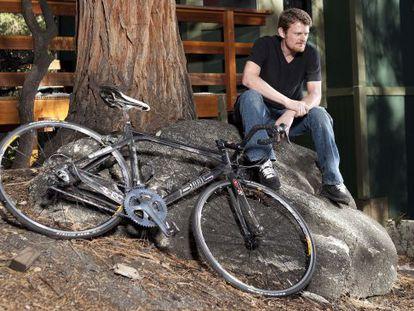 El ciclista profesional Floyd Landis, que ni lleva bigote ni usa 'fixie' ni tiene una cesta de mimbre, probablemente estaría de acuerdo con este artículo.