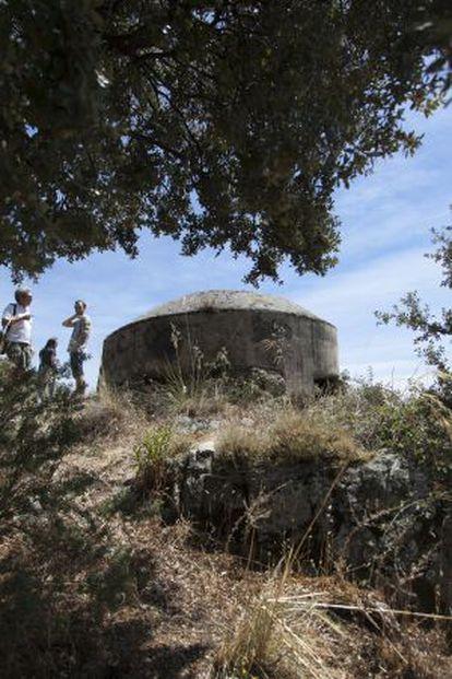 Uno de los búnkeres de la Guerra Civil que se conservan a las afueras de Los Molinos.