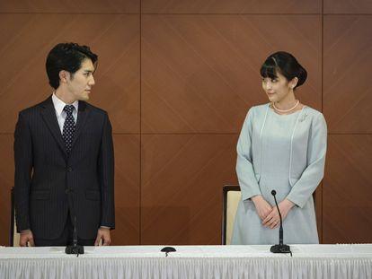 La princesa Mako de Japón con su esposo Kei Komuro, este martes.