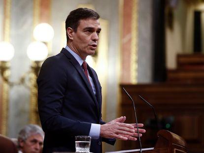 El presidente del Gobierno, Pedro Sánchez, durante su intervención en el pleno del Congreso, este jueves.