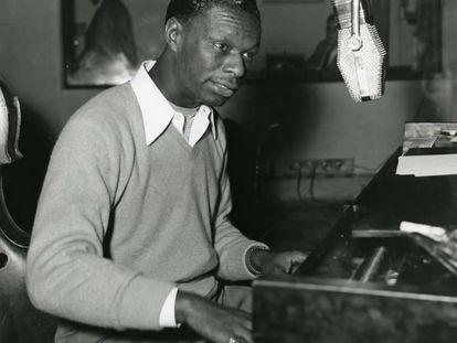 Nat King Cole, en 1943 en Los Ángeles.