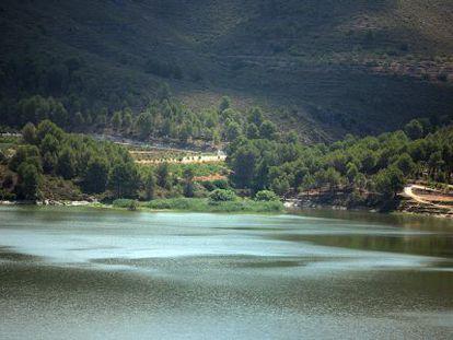 Vista del pantano construido en los 50 del pasado siglo