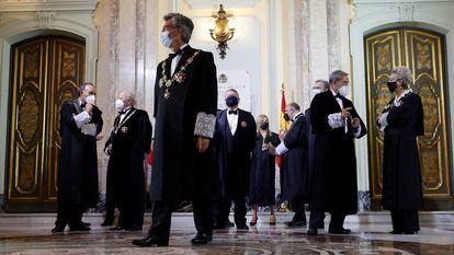 El presidente del Tribunal Supremo y del Consejo General del Poder Judicial, Carlos Lesmes, con miembros de la Sala de Gobierno en la apertura del año judicial, el pasado 6 de septiembre.