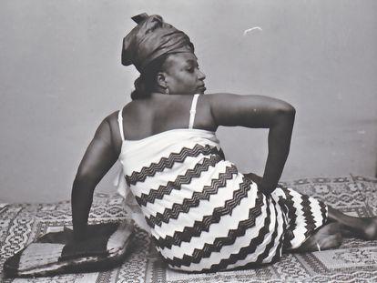 'Vues de dos', de Malick Sidibé, imagen de 1999.