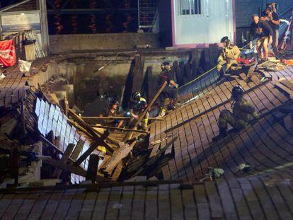 Muelle hundido durante en accidente del festival O Marisquiño, el 13 de agosto de 2018. En vídeo, las imágenes grabadas hace un año por los asistentes al festival O Marisquiño.
