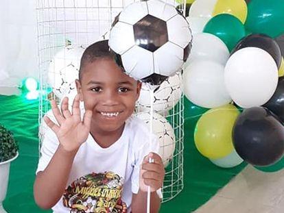 El niño brasileño Miguel durante su cumpleaños. CORTESÍA