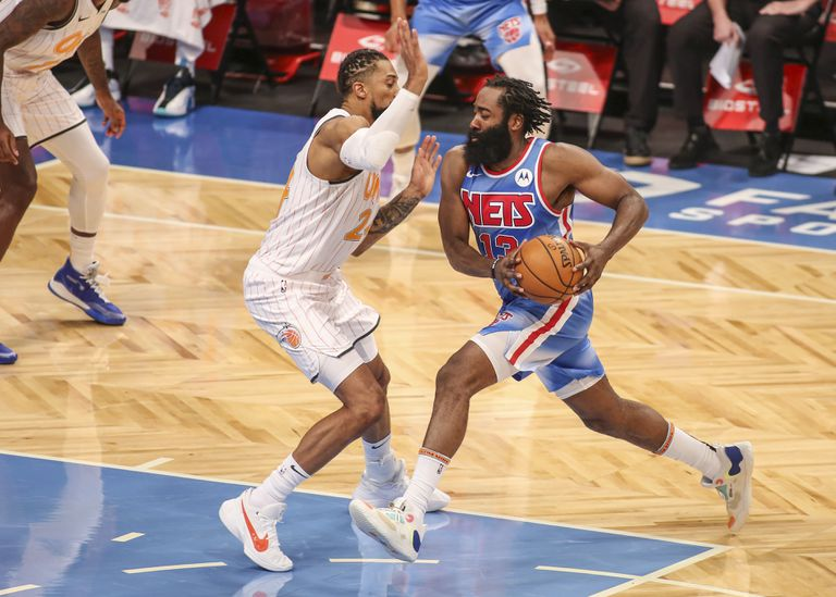 James Harden, en su estreno con los Nets, ante Orlando Magic.
