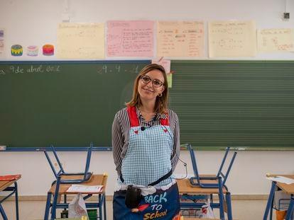 Isabel Solís, profesora en el colegio público Carlos I de Dos Hermanas, en Sevilla.