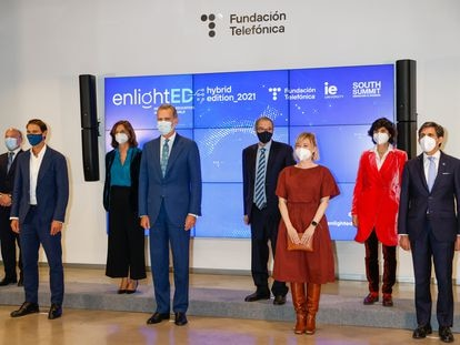 El rey Felipe VI durante la inauguración de Enlighted 2021 en Madrid este martes 19 de octubre.