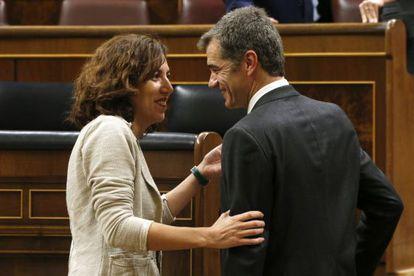 Los diputados Irene Lozano (PSOE) y Toni Cantó (Ciudadanos).