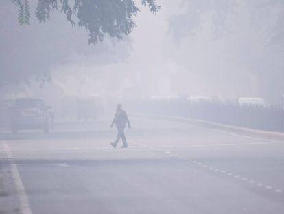 Efecto de la contaminación en una calle de Delhi.
