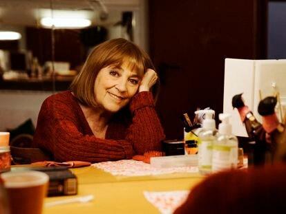 La actriz Carmen Maura dentro de su camerino.