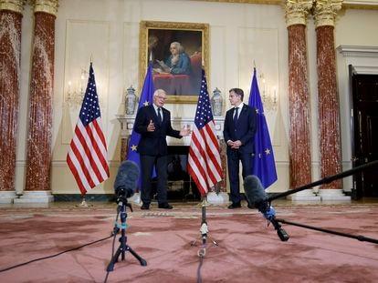 Josep Borrell, izquierda, y Antony Blinken, antes de su reunión del jueves en el Departamento de Estado, en Washington.