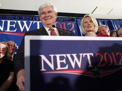Newt Gingrich y su esposa, Callista, el sábado en Carolina del Sur.