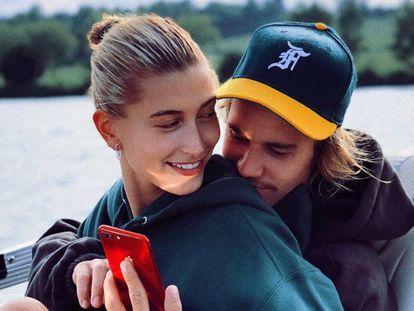 Hailey Baldwin y Justin Bieber en agosto 2018.