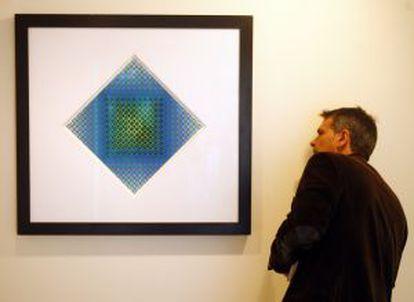 La obra 'Boglar II', pintada en 1966, una de las piezas de la exposición sobre Victor Vasarely