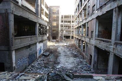 La abandonada fábrica de Packard en Detroit en 2010.