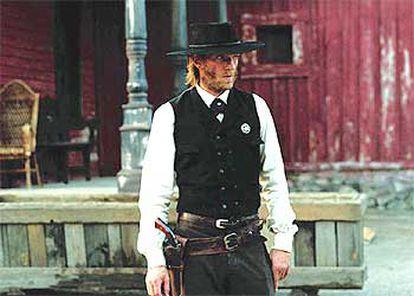 Vincent Cassel en un fotograma del <i>western</i> <i>Blueberry, l&#39;expérience secrète.</i>