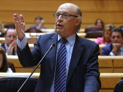 Cristóbal Montoro durante el pleno de Sesion de Control.