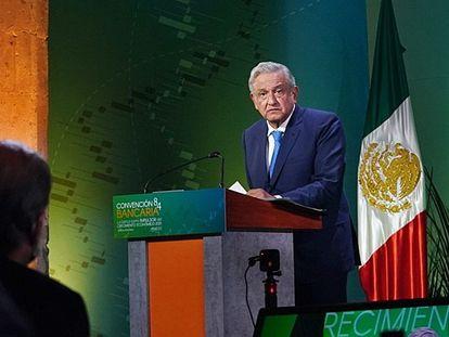 Andrés Manuel López Obrador, durante la Convención Bancaria en Ciudad de México.